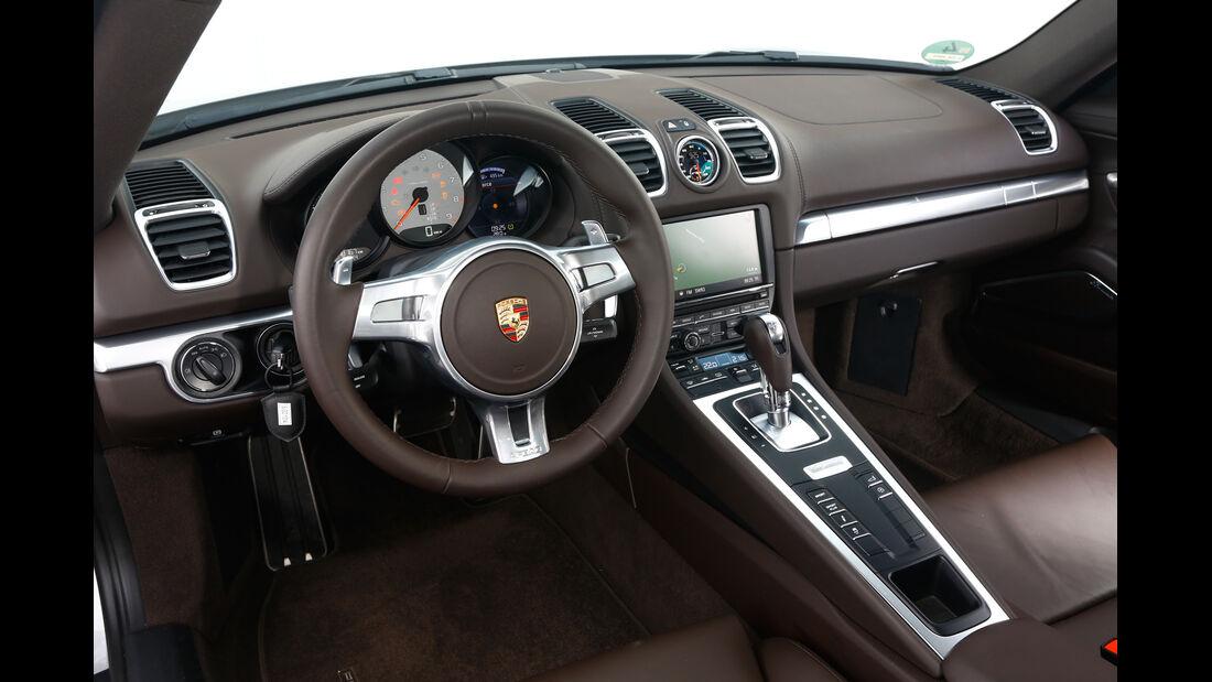 Nissan 370Z Nismo, Cockpit