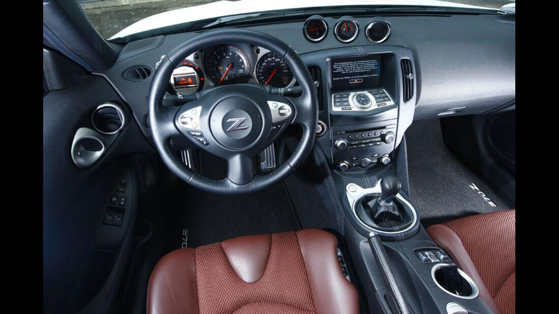 Nissan 370Z Roadster Cockpit
