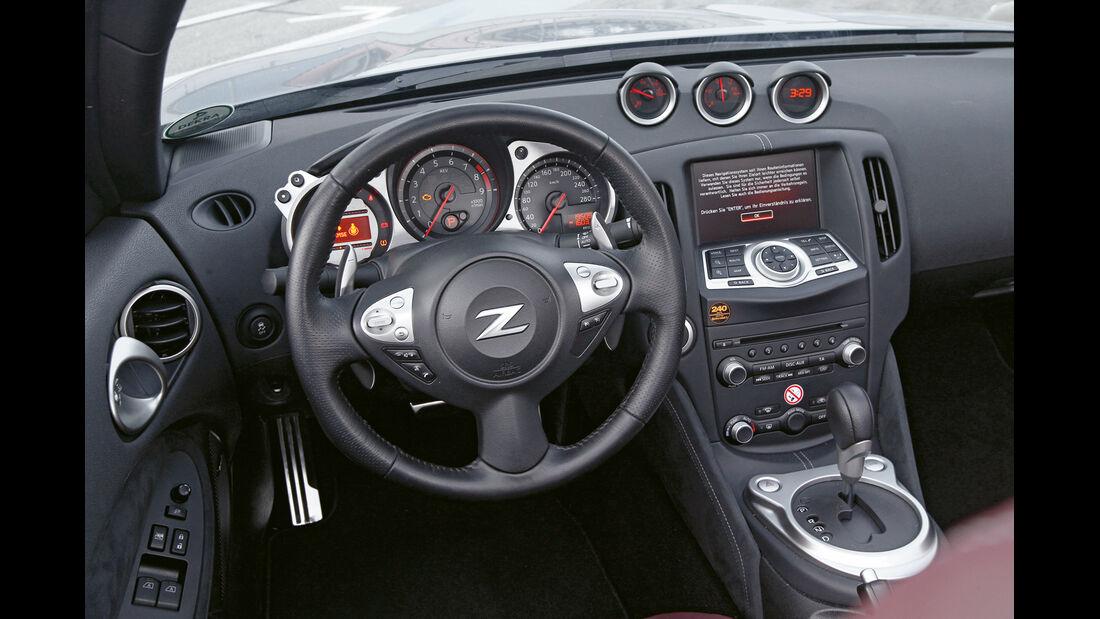 Nissan 370Z Roadster, Cockpit, Lenkrad