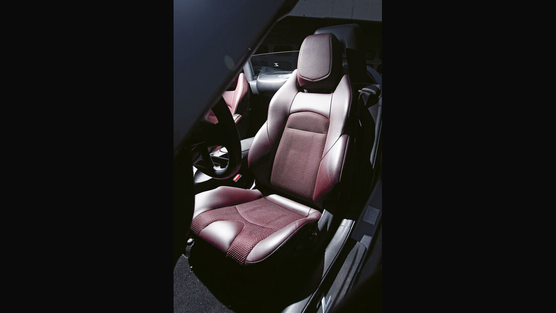 Nissan 370Z Roadster, Fahrersitz