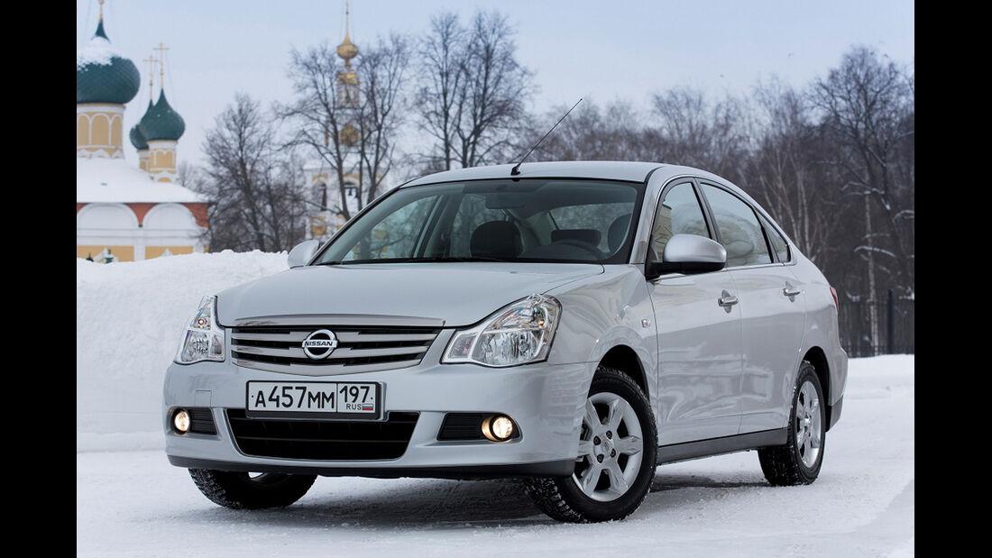 Nissan Almera Russland