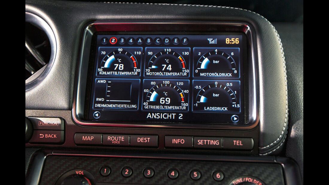 Nissan GT-R Black Edition, Display