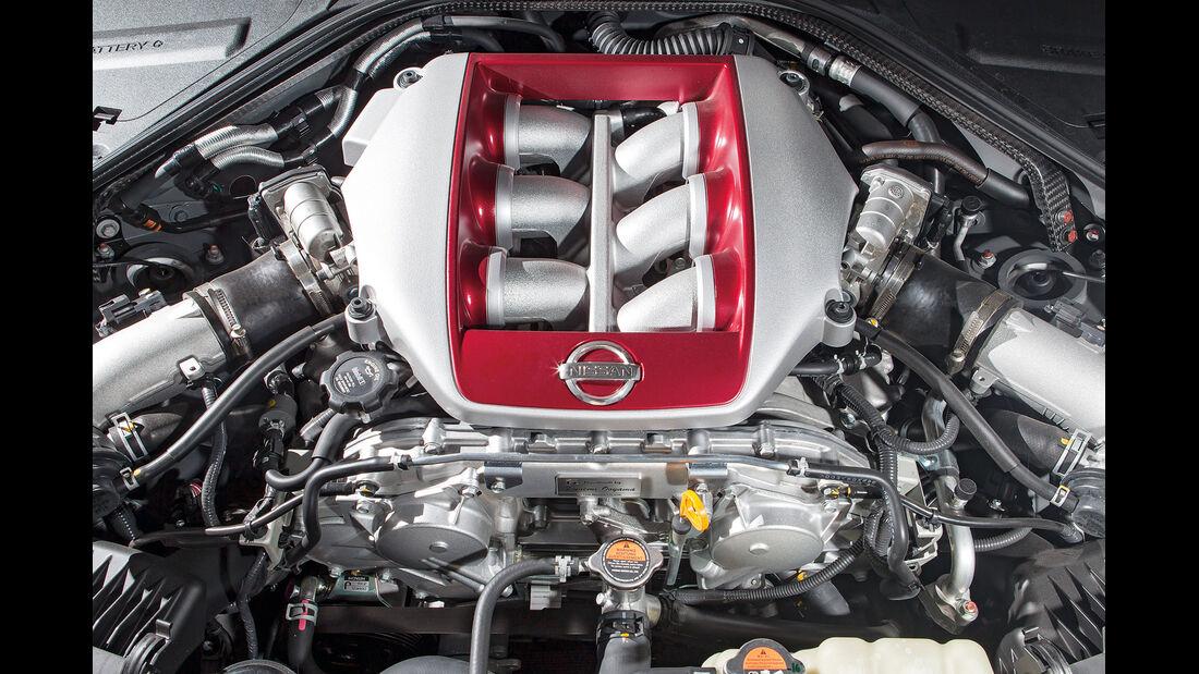 Nissan GT-R Black Edition, Motor
