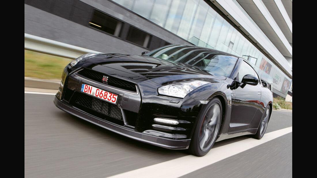 Nissan GT-R CBA-R35, Frontansicht