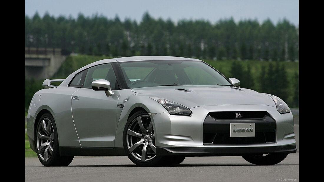 Nissan GT-R, E10
