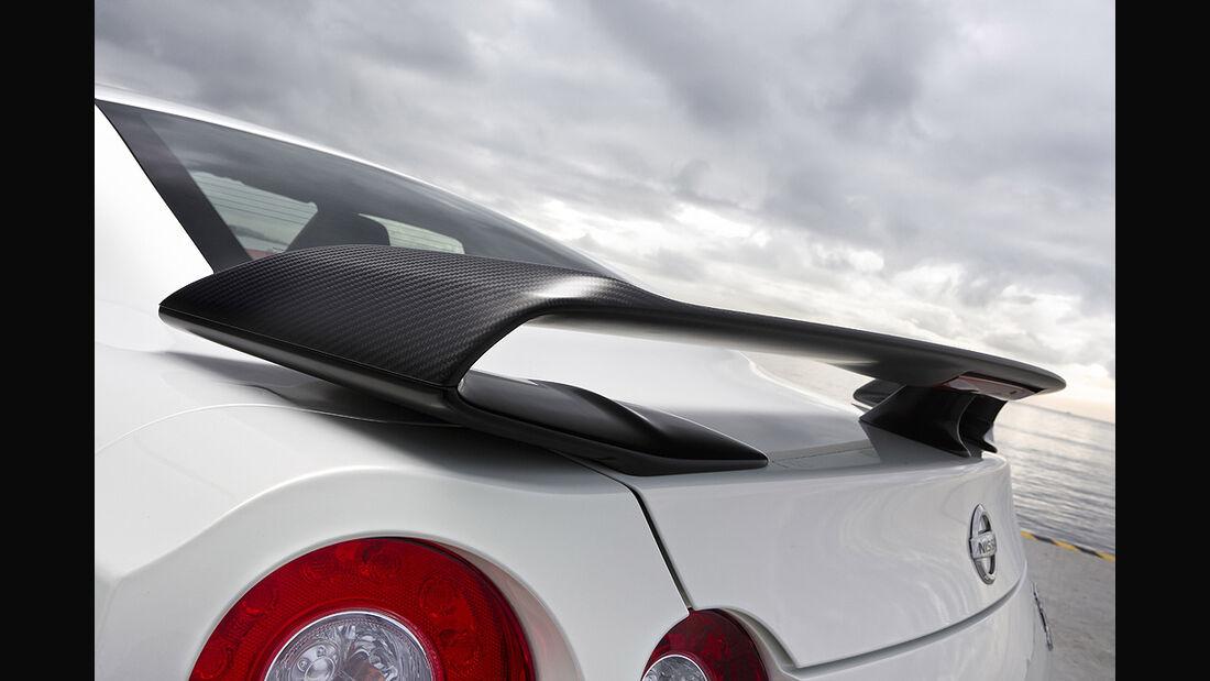 Nissan GT-R Egoist, Heckflügel