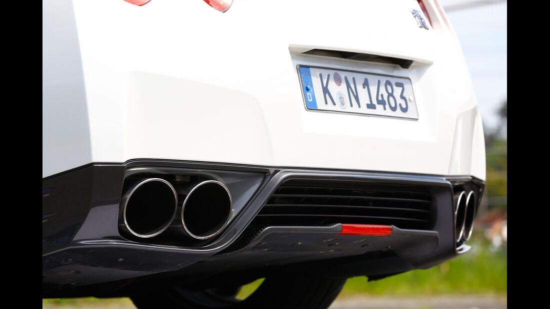 Nissan GT-R, Endrohr, Auspuff