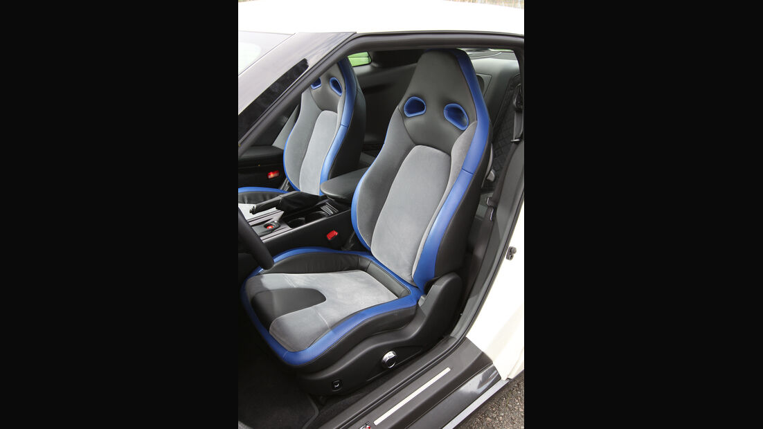 Nissan GT-R, Fahrersitz