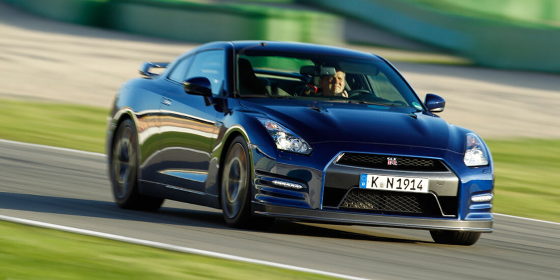 Nissan GT-R, Frontansicht