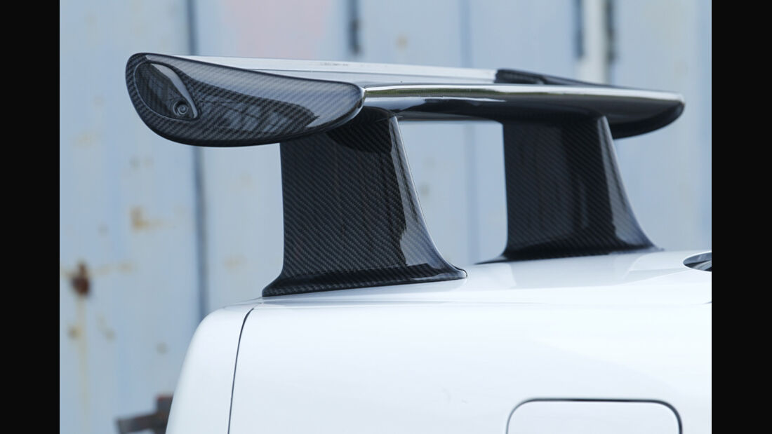 Nissan GT-R, Heckspoiler