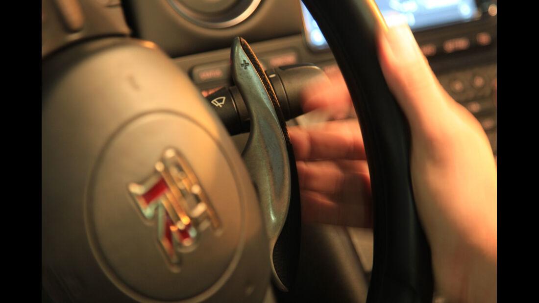 Nissan GT-R, Lenkrad