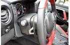 Nissan GT-R, Lenkradwippen, Schaltpaddles