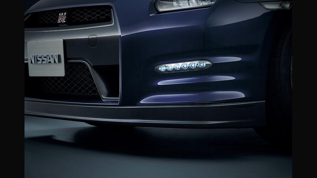 Nissan GT-R Modelljahr 2011, Tagfahrleuchten