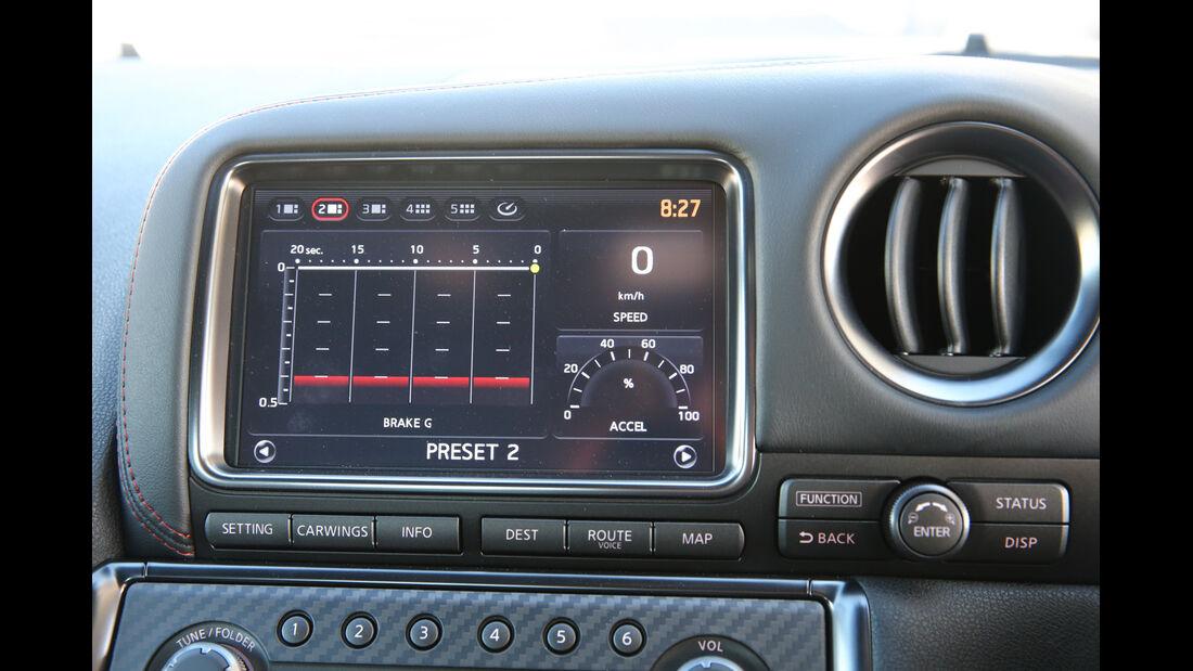 Nissan GT-R, Monitor, Anzeigen