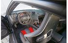 Nissan GT-R Nismo, Cockpit
