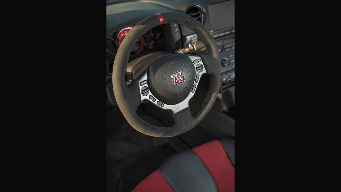 Nissan GT-R Nismo, Fahrbericht, Sportwagen, Supersportwagen, Nürburgring, Nordschleife, Cockpit, Lenkrad
