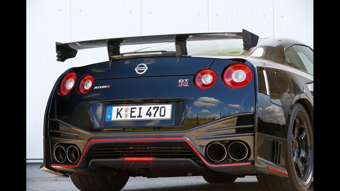 Nissan GT-R Nismo, Heckspoiler, Endrohre
