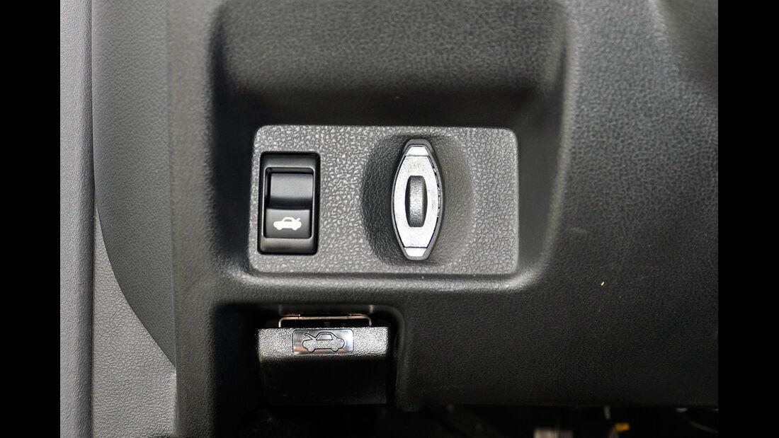 Nissan GT-R, Öffner Heckklappe und Motorhaube