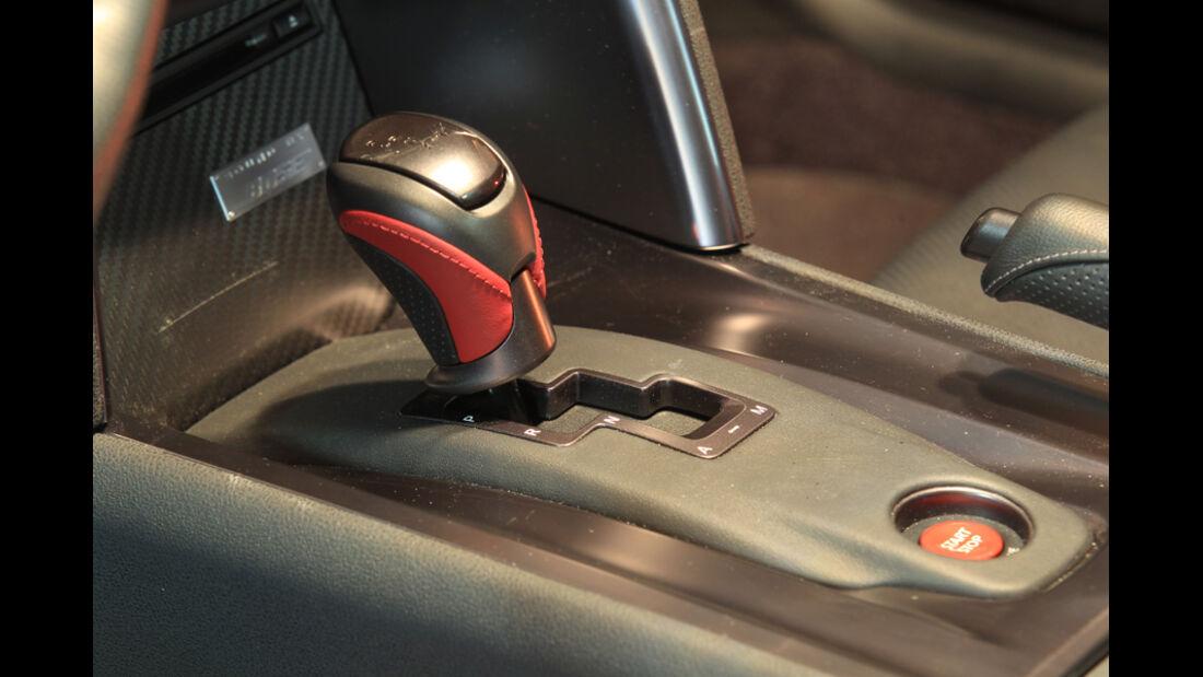 Nissan GT-R, Schaltknauf