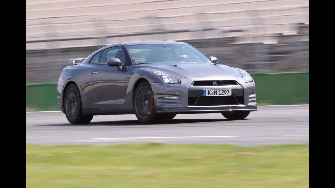 Nissan GT-R, Seitenansicht, Driften