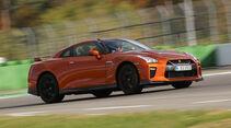 Nissan GT-R, Seitenansicht