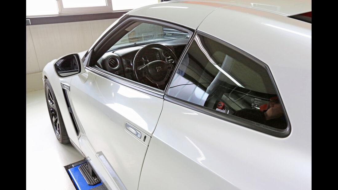 Nissan GT-R, Seitenführung