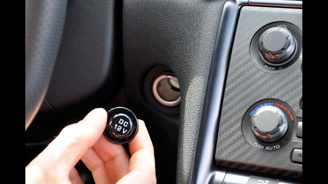 Nissan GT-R, Stromanschluss