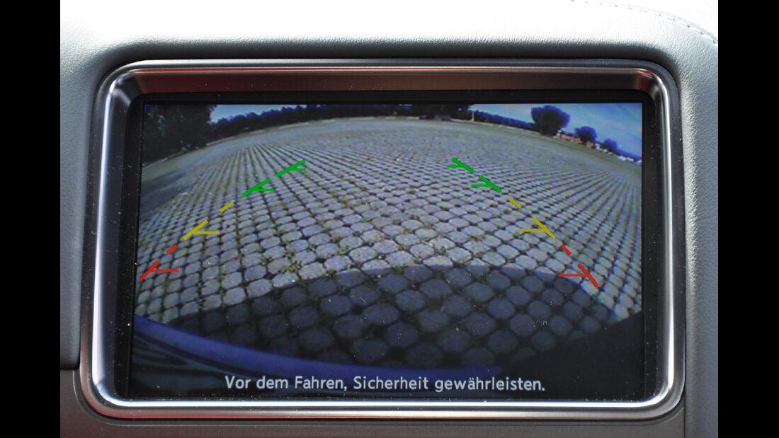 Nissan GT-R, Touchscreen, Rückfahrkamera