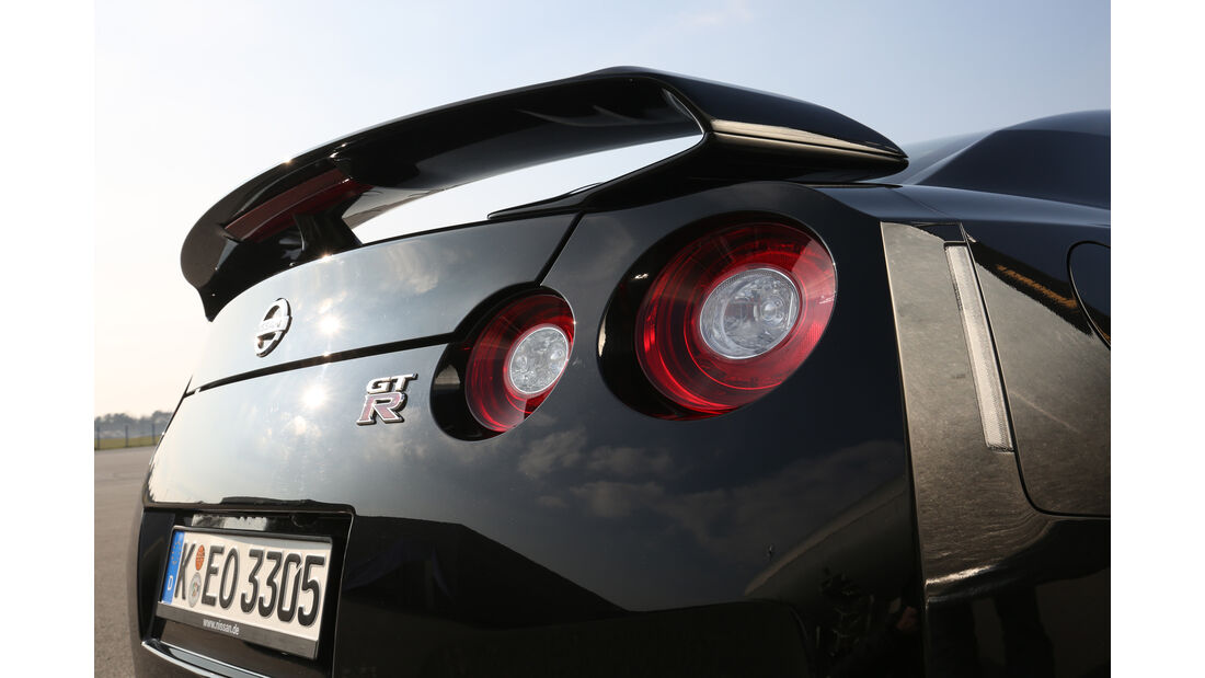 Nissan GT-R Track Edition, Heckflügel