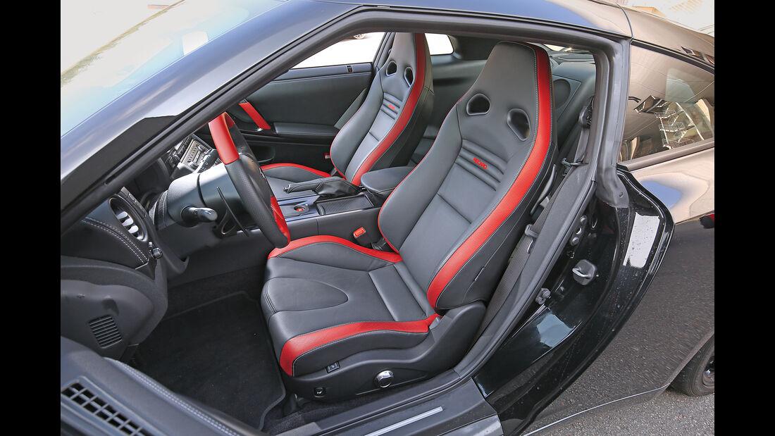 Nissan GT-R Track Edition, Sitze