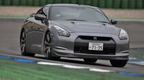 Nissan GT-RS