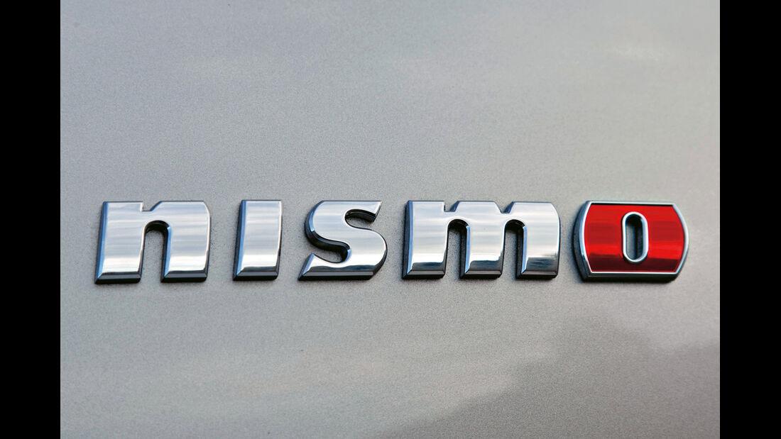 Nissan Juke Nismo, Emblem, Typenbezeichnung