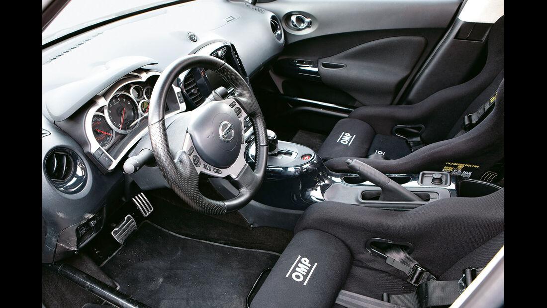 Nissan Juke-R, Cockpit, Lenkrad