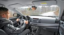 Nissan Lancer Sportback 1.6 XTRA, Cockpit