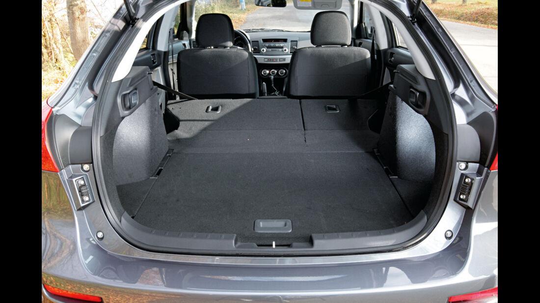 Nissan Lancer Sportback 1.6 XTRA, Kofferraum