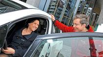 Nissan Leaf, Seitentür, Unterhaltung