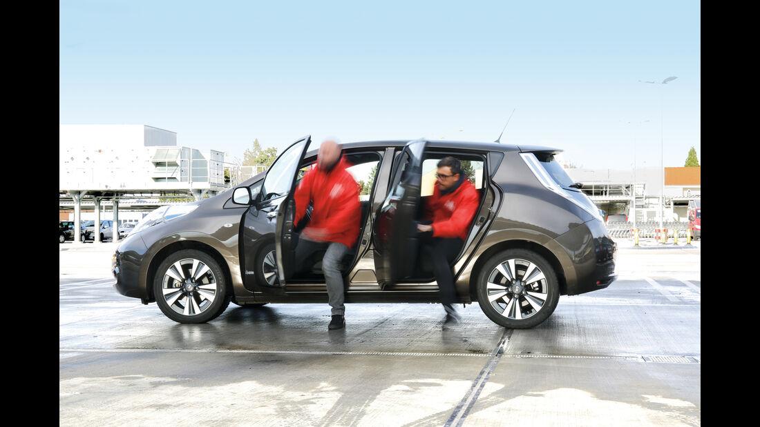 Nissan Leaf, Seitentüren, Aussteigen