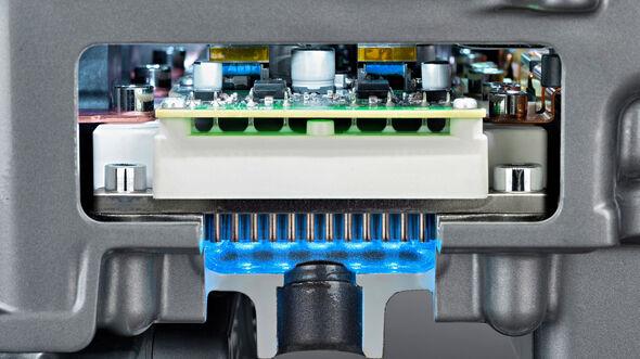 Nissan Leaf, Steuerungselektronik