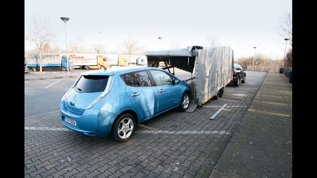 Nissan Leaf, Zapfsäule, Stromtankstelle