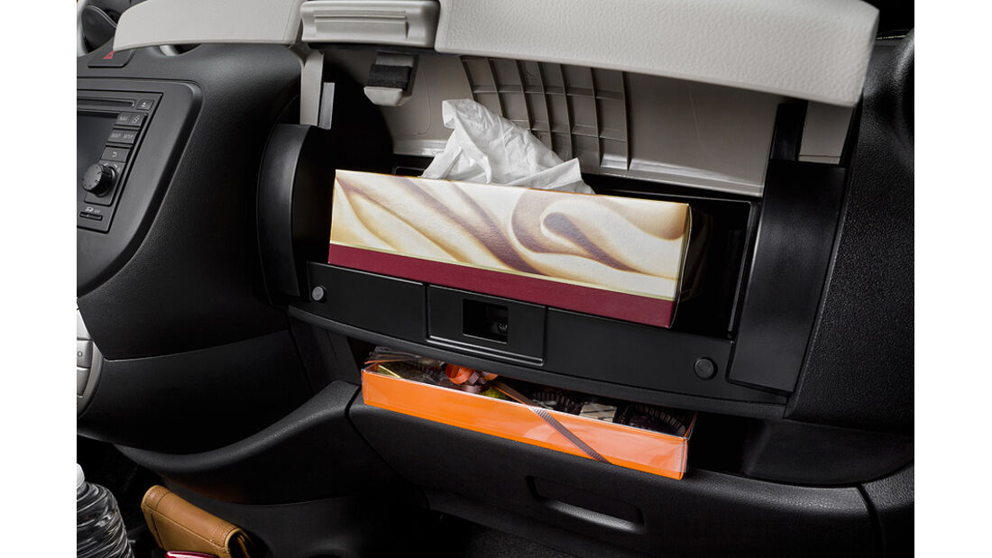 Nissan Micra 1.2 DIG-S ams 16/11, handschuhfach