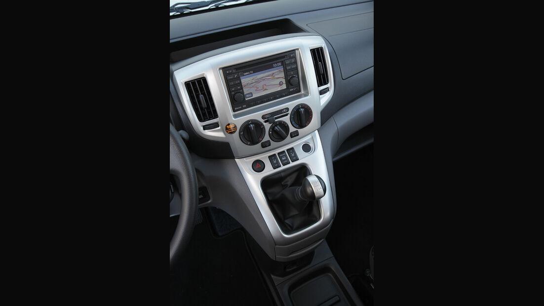 Nissan NV 200 Evalia dCi 110, Mittelkonsole