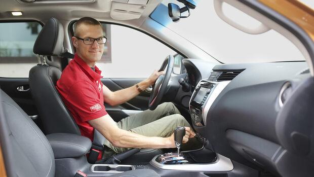 Nissan Navara D.Cab 2.3 dCi 4x4, Interieur
