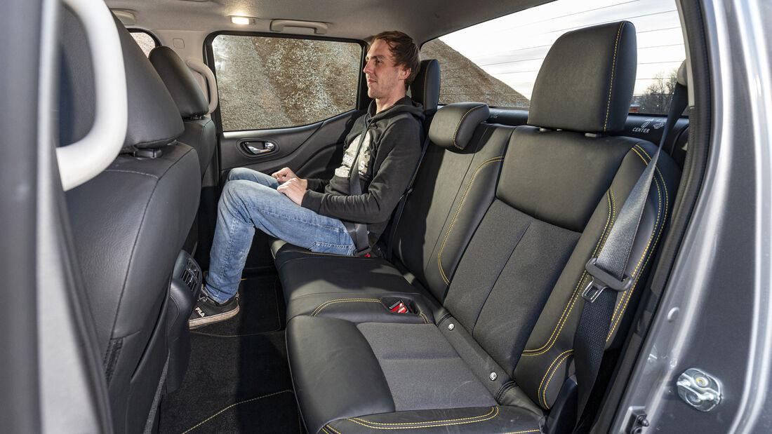 Nissan Navara Double Cab 2.3 dCi 4x4 N-Guard, Interieur