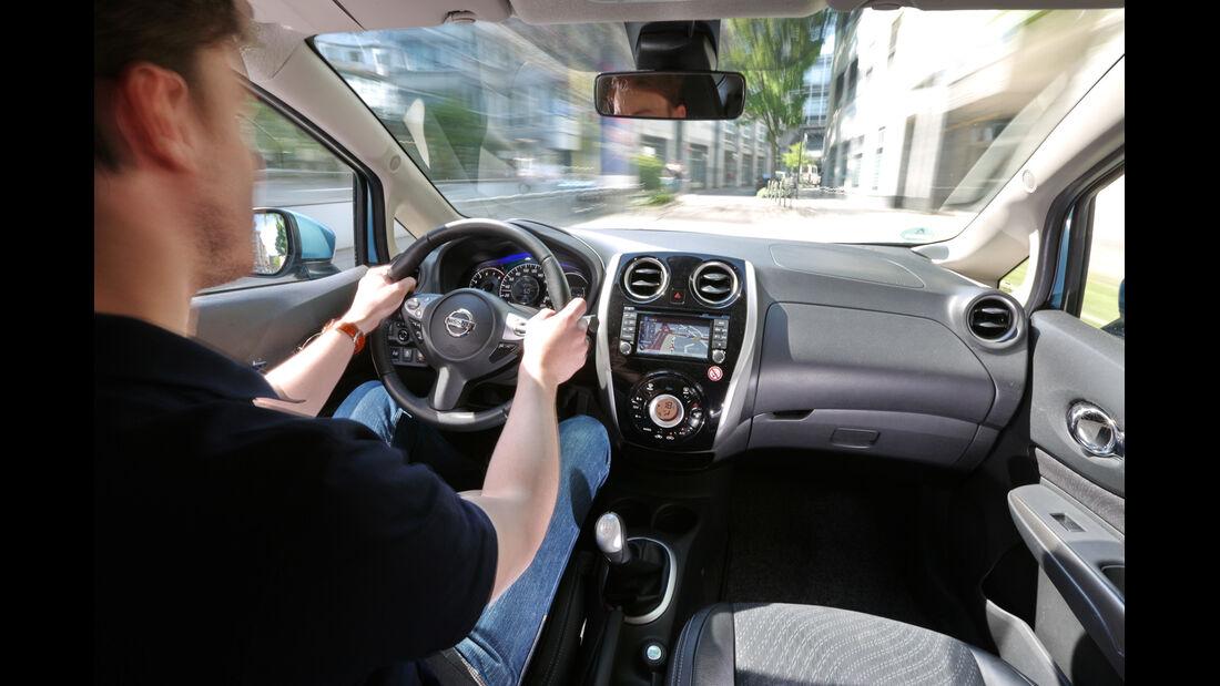 Nissan Note 1.2 DIG-S, Cockpit, Fahrersicht