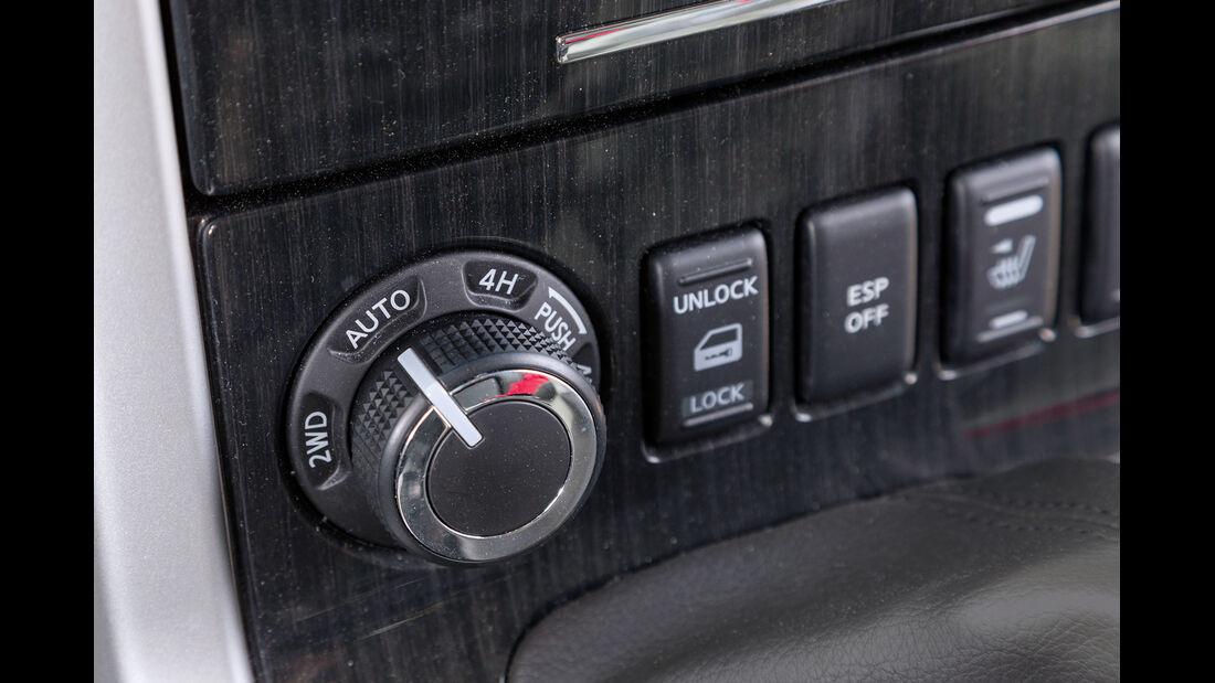 Nissan Pathfinder 2.5 dCi, Bedienelemente