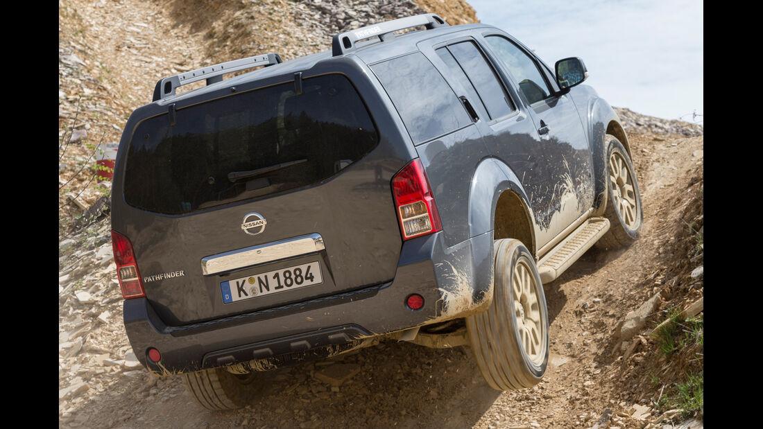 Nissan Pathfinder 2.5 dCi, Heckansicht