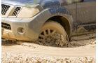 Nissan Pathfinder 2.5 dCi, Rad, Felge, Wasserdurchfahrt