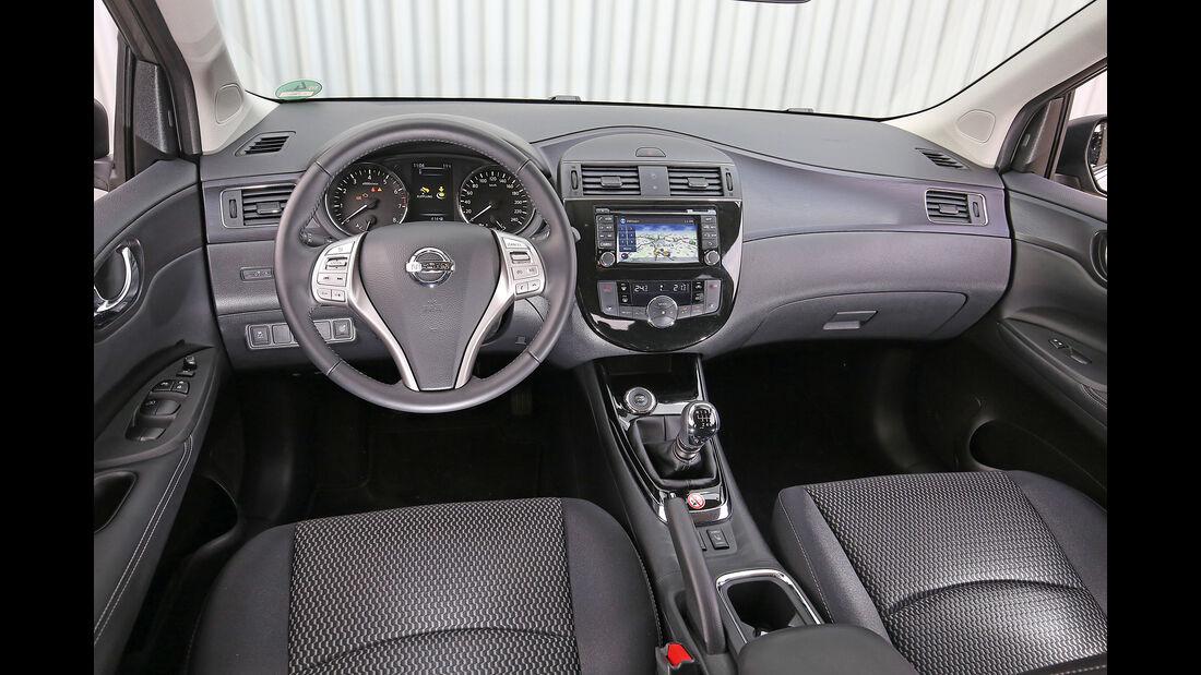 Nissan Pulsar 1.2 DIG-T, Cockpit