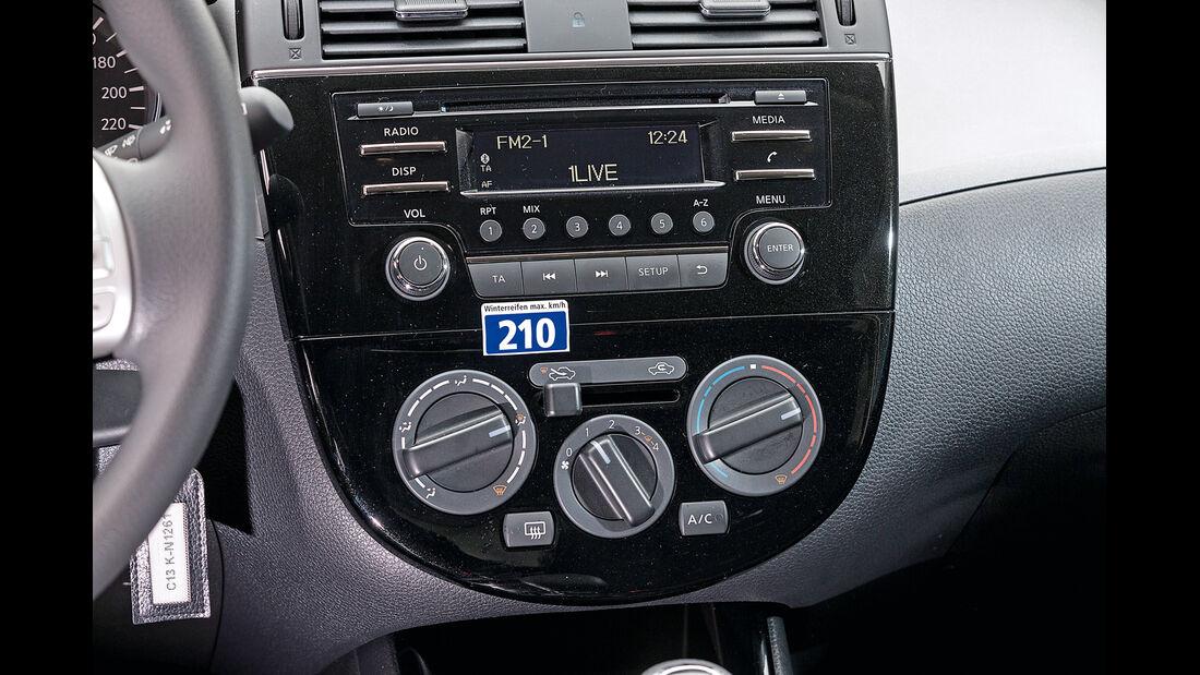 Nissan Pulsar, Mittelkonsole