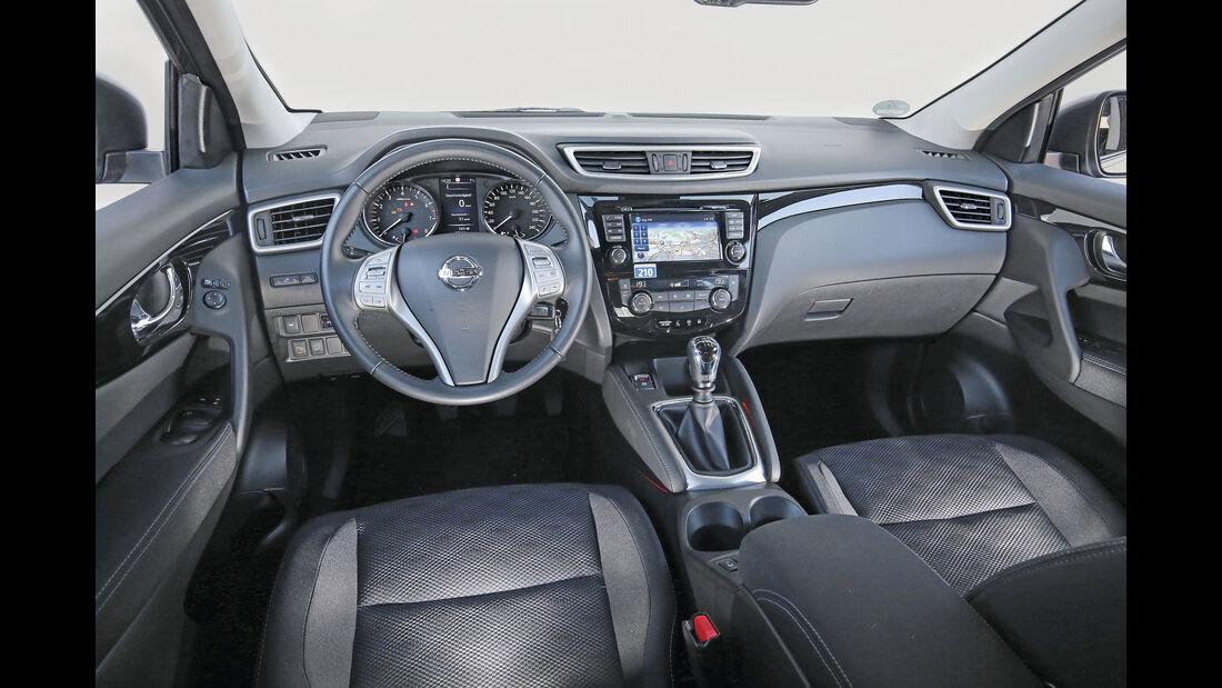 Nissan Qashqai 1.2 DIG-T, Cockpit